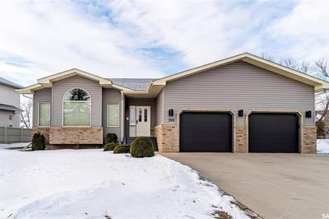 House for sale at 196 Blue Sage Dr Moose Jaw Saskatchewan - MLS: SK798365