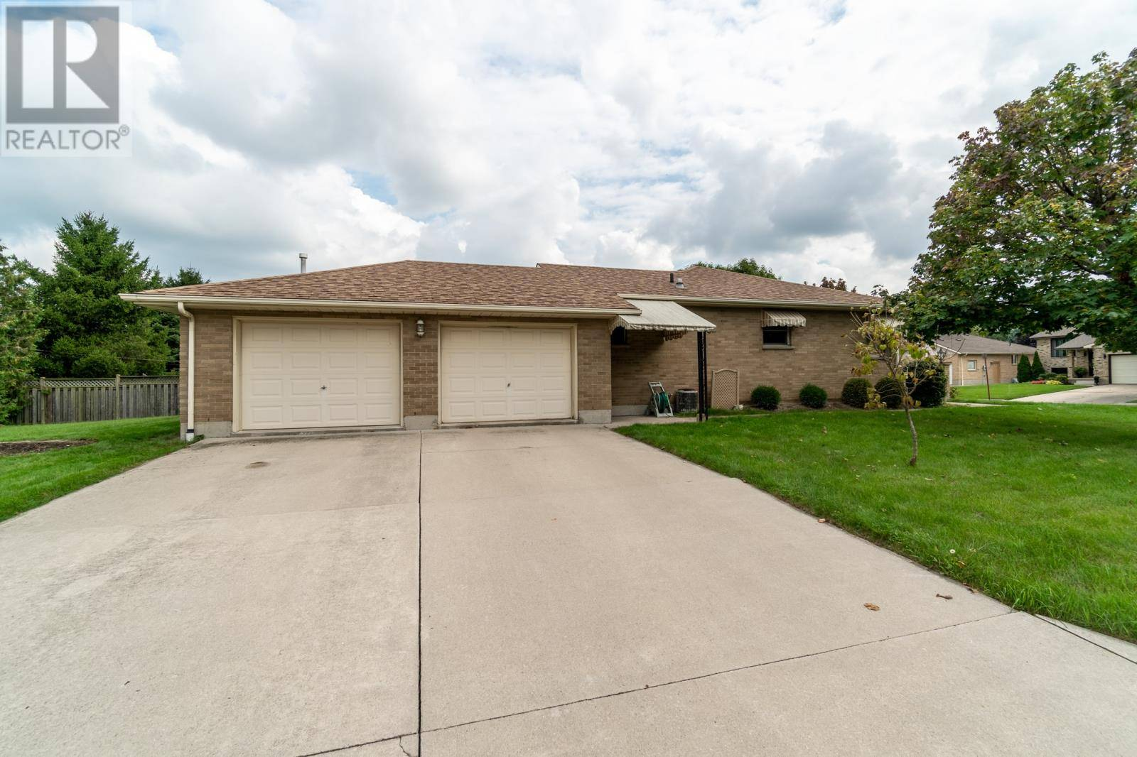 House for sale at 196 Bruinsma Ave Wallaceburg Ontario - MLS: 19024937