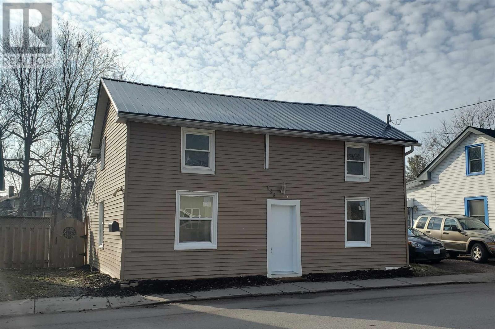 House for sale at 196 York St Kingston Ontario - MLS: K20006928