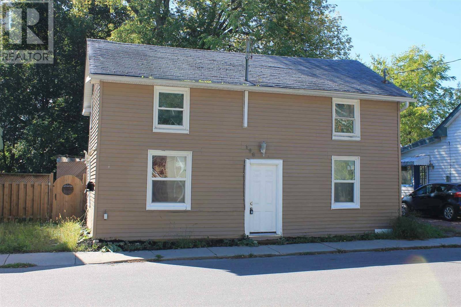 House for sale at 196 York St Kingston Ontario - MLS: K20001022