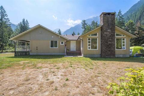 House for sale at 19623 Silver Skagit Rd Hope British Columbia - MLS: R2295906