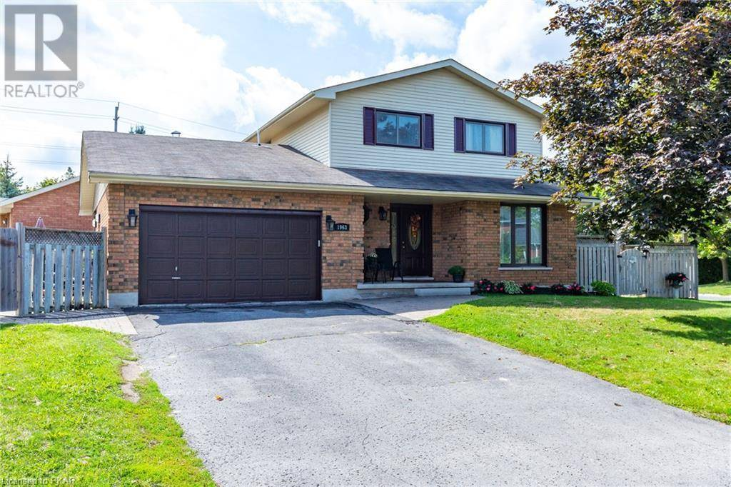 House for sale at 1963 Parkwood Circ Peterborough Ontario - MLS: 221488