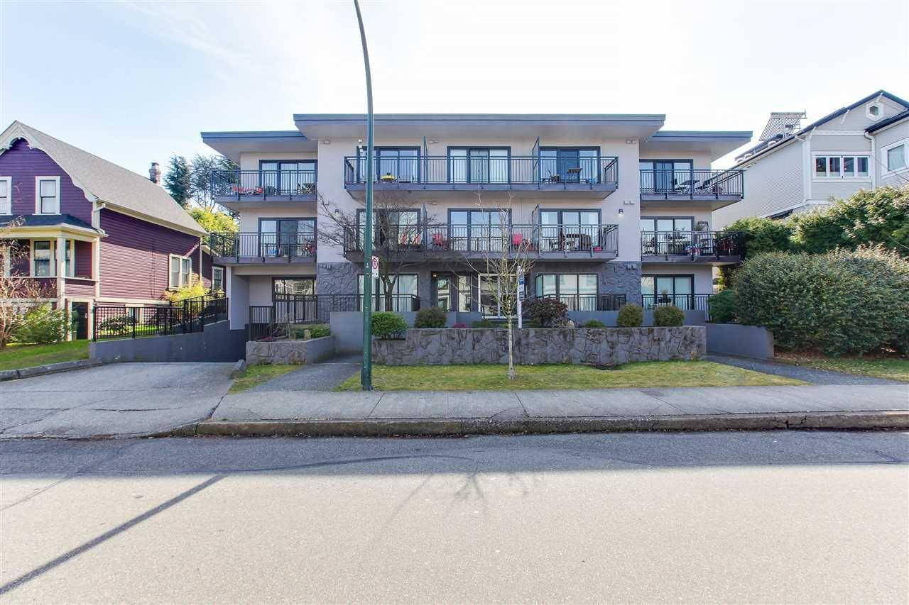 Townhouse for sale at 1968 2nd Ave West Vancouver British Columbia - MLS: C8029231