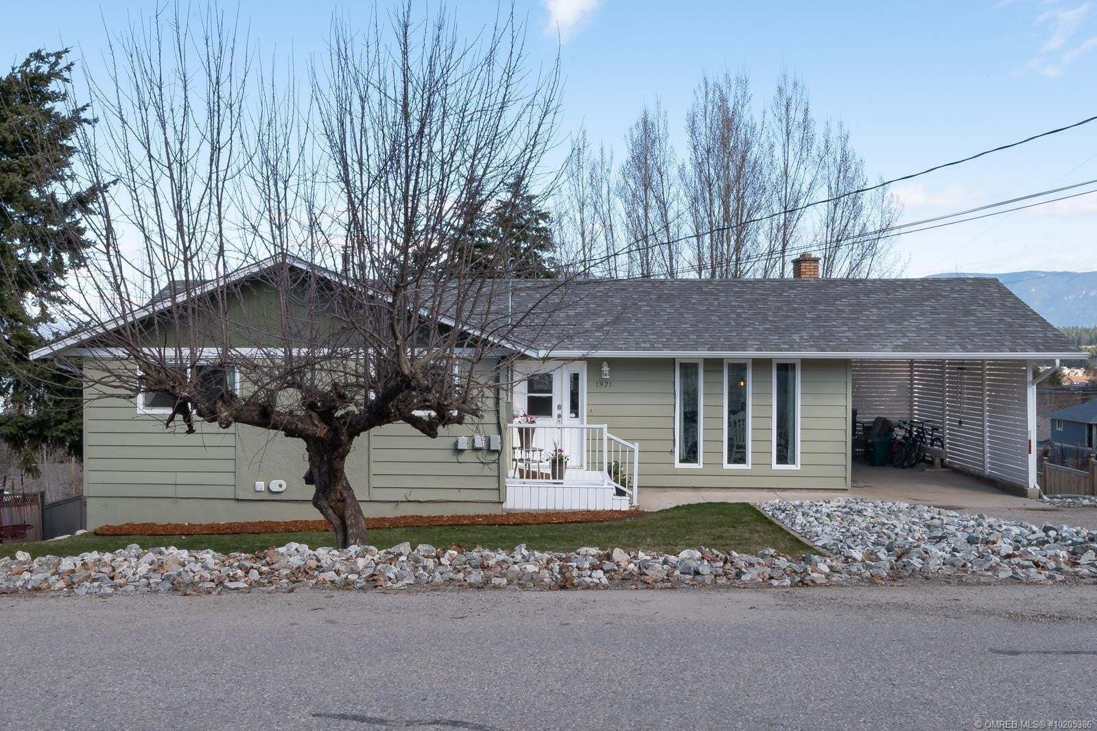 House for sale at 1971 3 Ave Southeast Salmon Arm British Columbia - MLS: 10205386