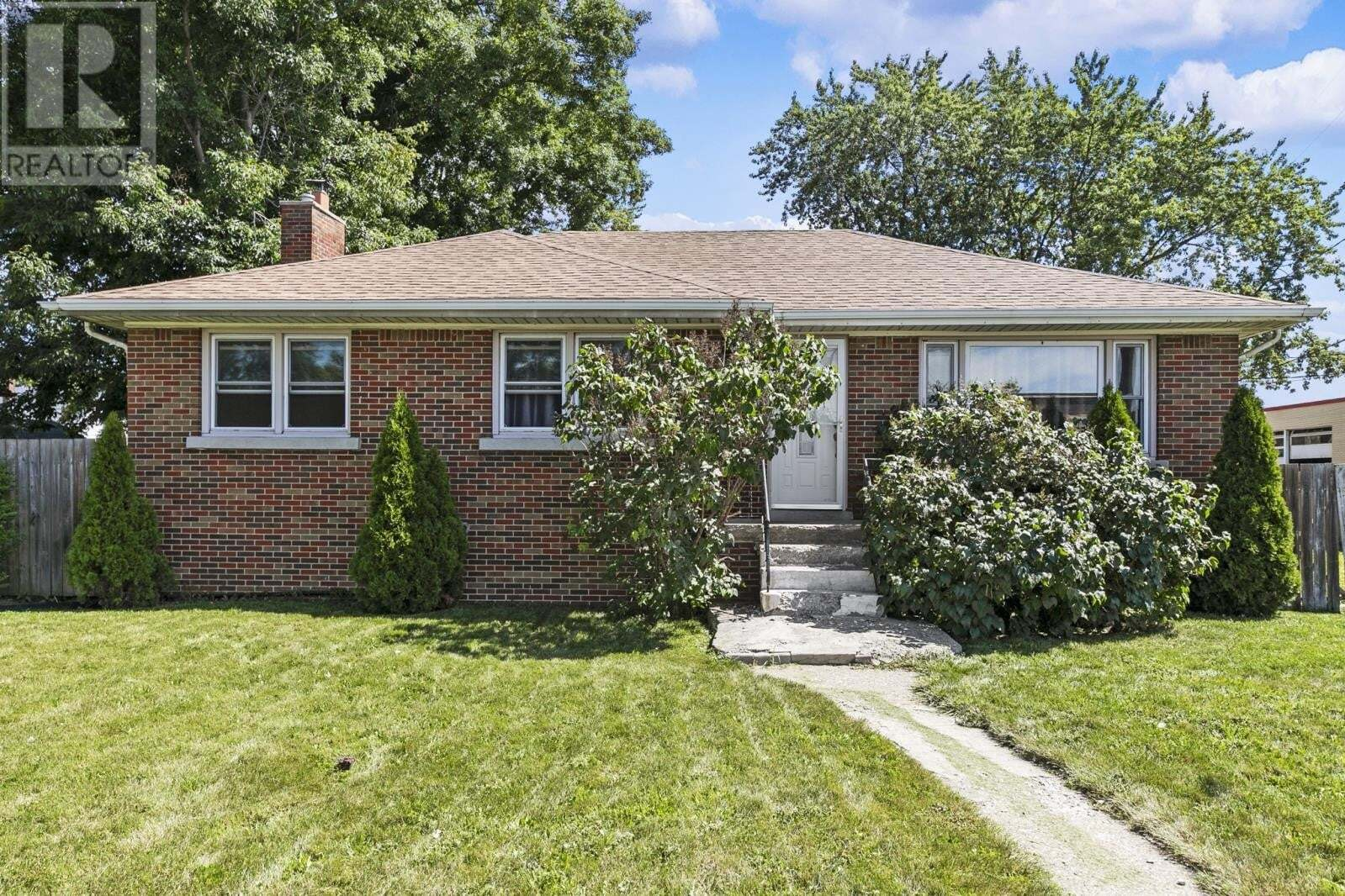 House for sale at 1972 Central  Windsor Ontario - MLS: 20010286