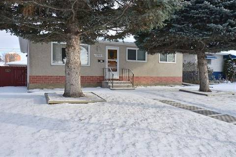 House for sale at 1986 Cottonwood Cres Southeast Calgary Alberta - MLS: C4274401