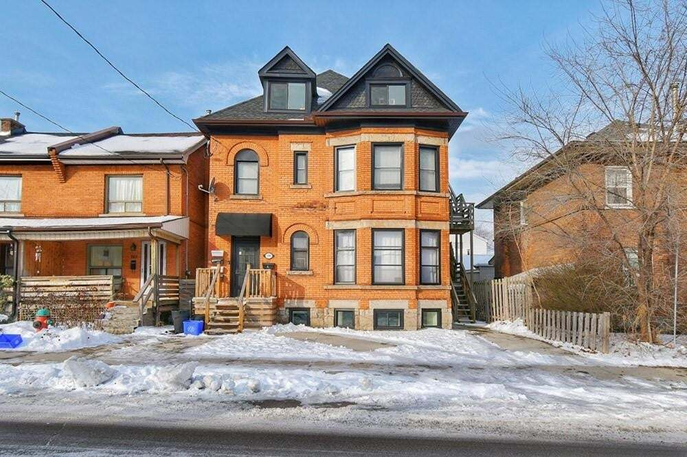 Townhouse for sale at 199 Catharine St N Hamilton Ontario - MLS: H4079443
