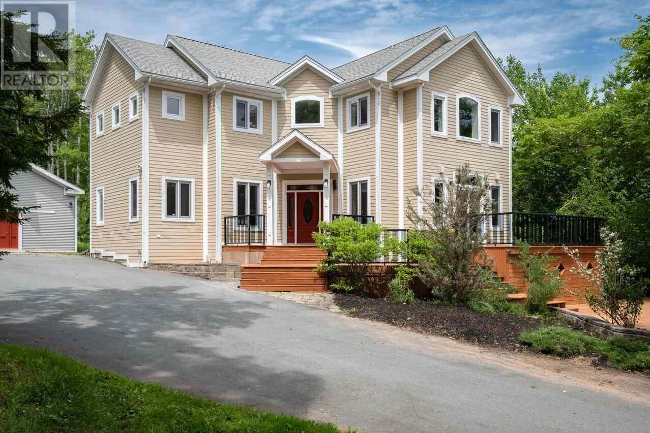 House for sale at 199 High Rd Fall River Nova Scotia - MLS: 202011683