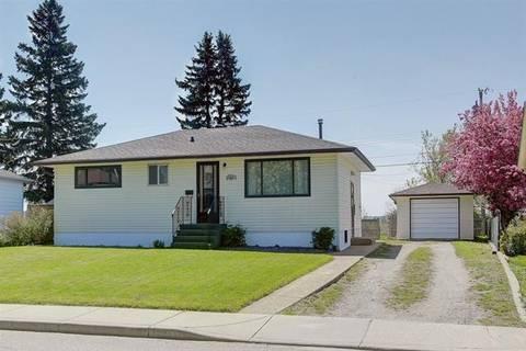 House for sale at 199 Lynnwood Dr Southeast Calgary Alberta - MLS: C4245042