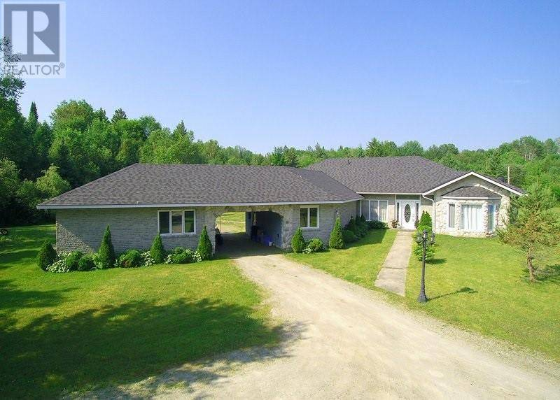 House for sale at 1998 Gervais Rd Waubaushene Ontario - MLS: 205540