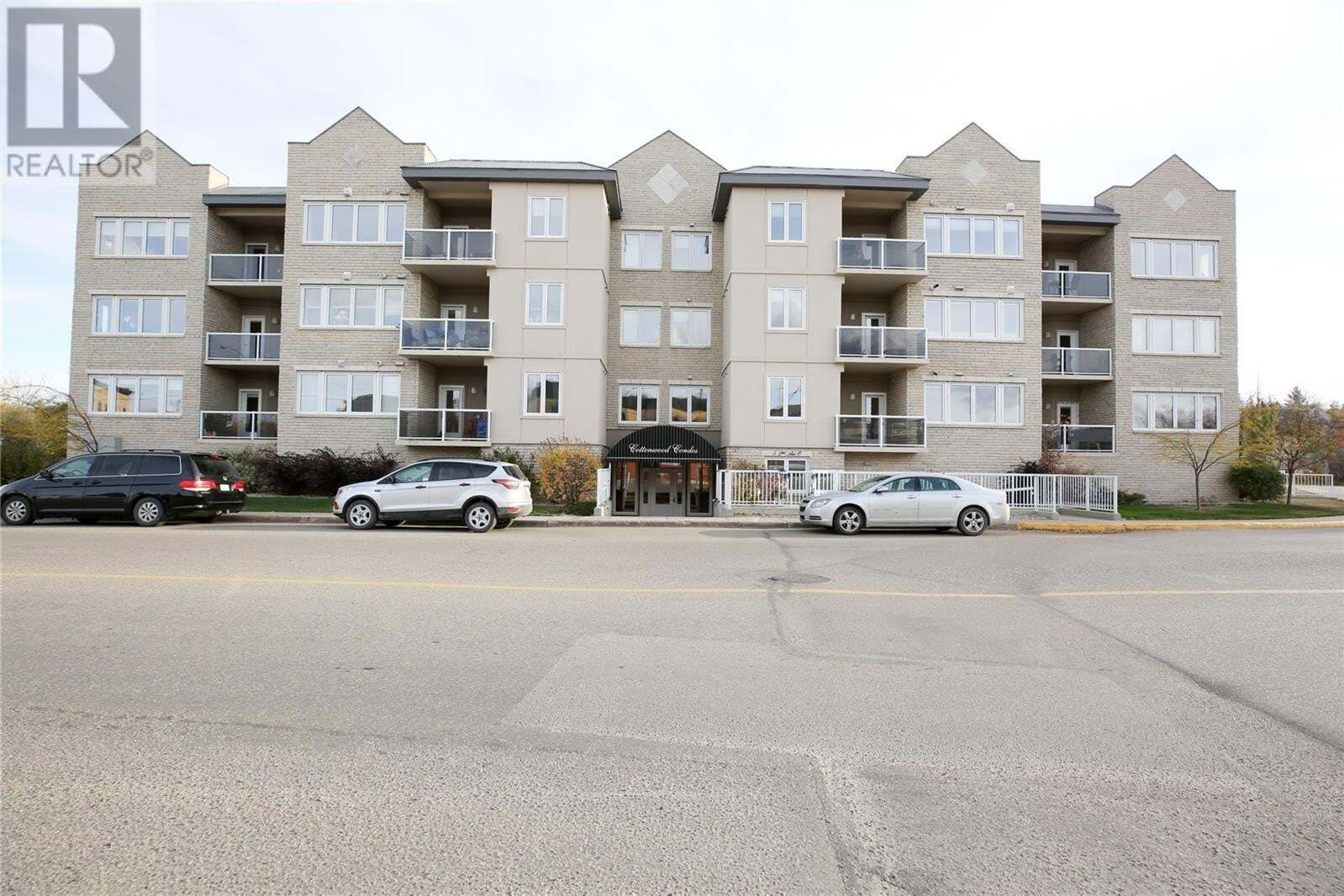 Condo for sale at 5 2nd Ave Unit 1A Lumsden Saskatchewan - MLS: SK830314