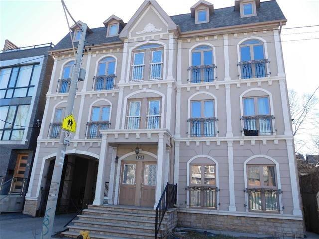 For Rent: 1st Fl - 128 Spadina Road, Toronto, ON | 3 Bed, 2 Bath House for $3,080. See 2 photos!