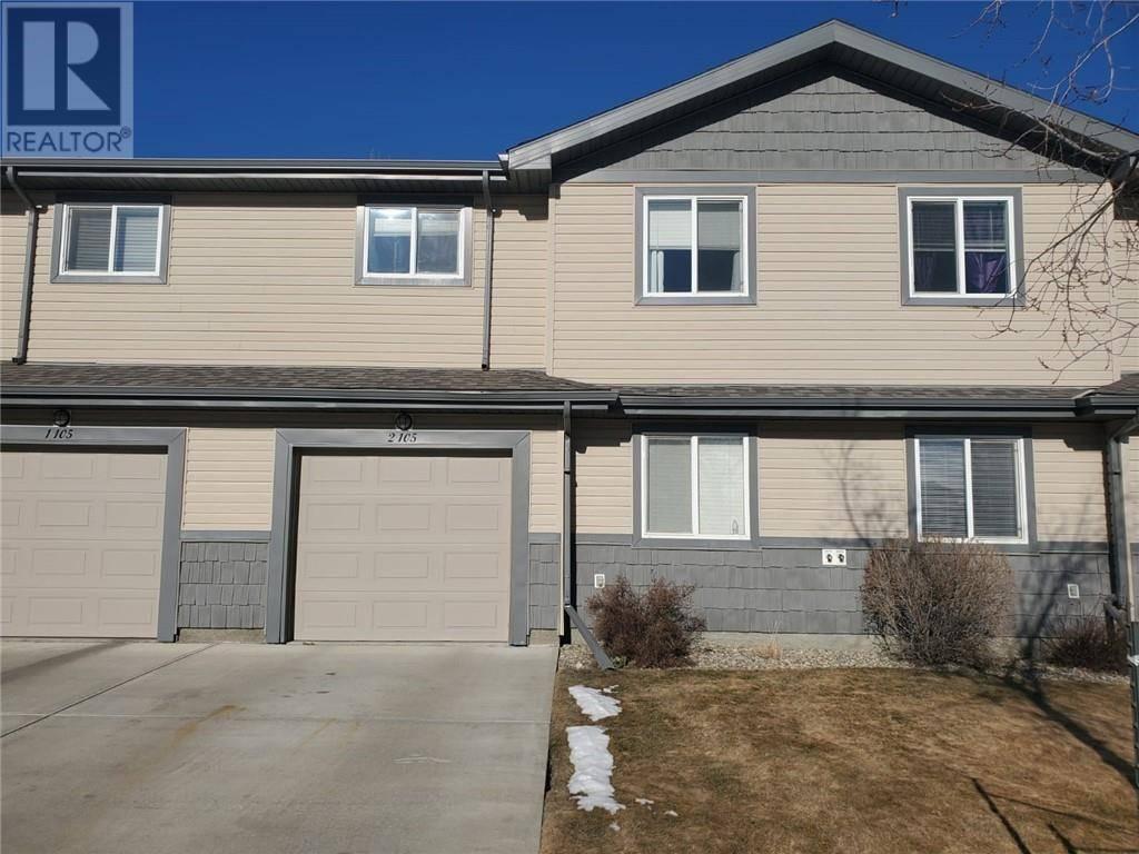 Townhouse for sale at 105 Silkstone Rd W Unit 2 Lethbridge Alberta - MLS: ld0188522