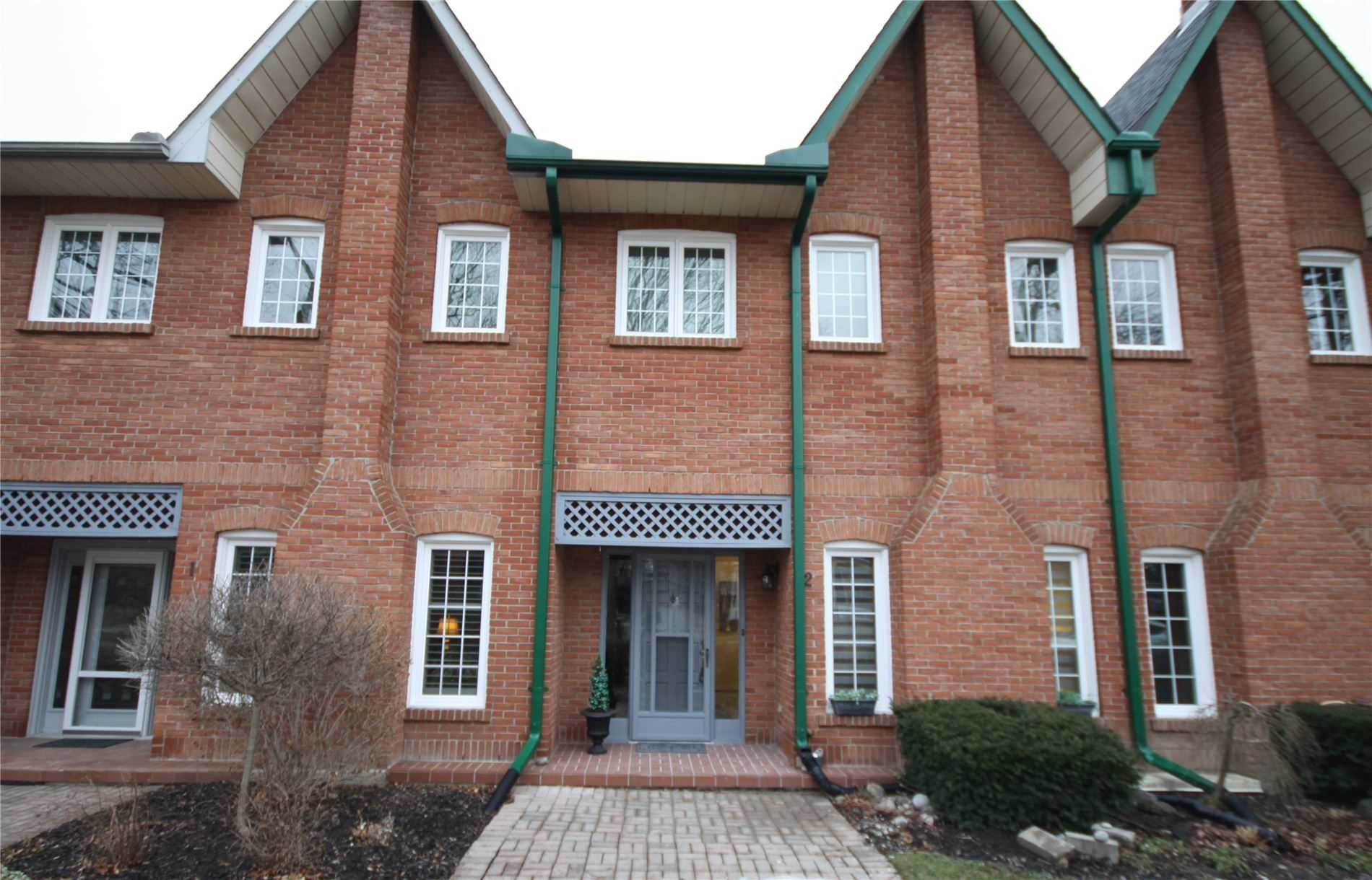 For Sale: 2 - 110 Mary Street West, Whitby, ON | 1 Bed, 2 Bath Townhouse for $459900.00. See 17 photos!