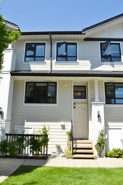 Sold: 2 - 1130 Ewen Avenue, New Westminster, BC