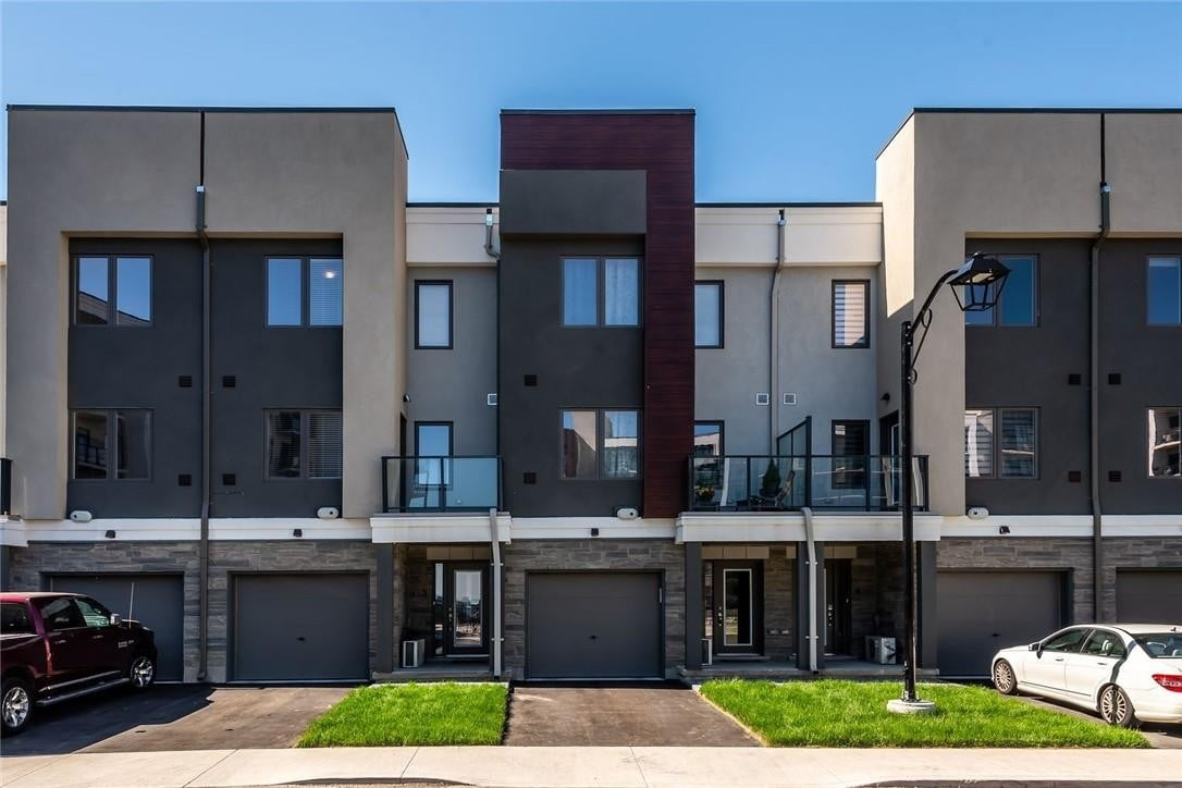 Townhouse for sale at 115 Shoreview Pl Unit 2 Stoney Creek Ontario - MLS: H4079934