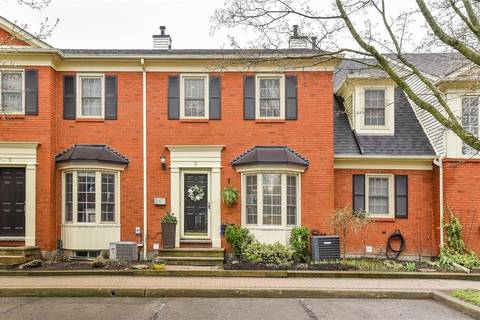 Townhouse for sale at 1275 Maple Crossing Blvd Unit 2 Burlington Ontario - MLS: H4053555