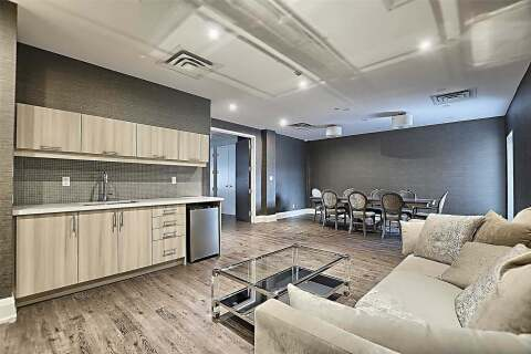 Condo for sale at 15277 Yonge St Unit 402 Aurora Ontario - MLS: N4769184