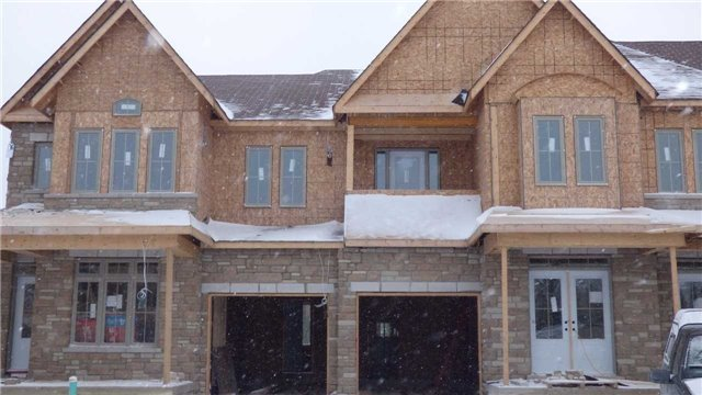 For Sale: 171 Snowbridge Blk 2 Way, Blue Mountains, ON   3 Bed, 3 Bath Townhouse for $579,000. See 3 photos!