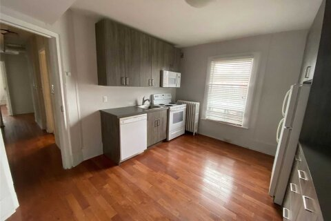 Townhouse for rent at 236 Annette St Unit 2 Toronto Ontario - MLS: W4998839