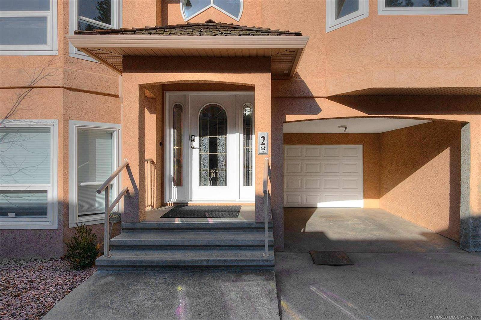 Townhouse for sale at 2425 Mount Baldy Dr Unit 2 Kelowna British Columbia - MLS: 10201893