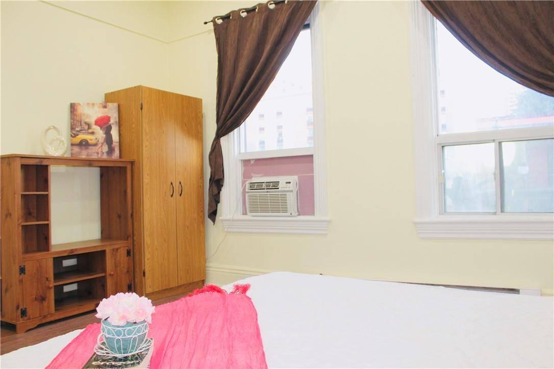 Apartment for rent at 244 King St W Unit 2 Hamilton Ontario - MLS: H4058563
