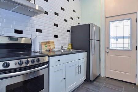 Apartment for rent at 275 King St E Unit 2 Hamilton Ontario - MLS: H4092559