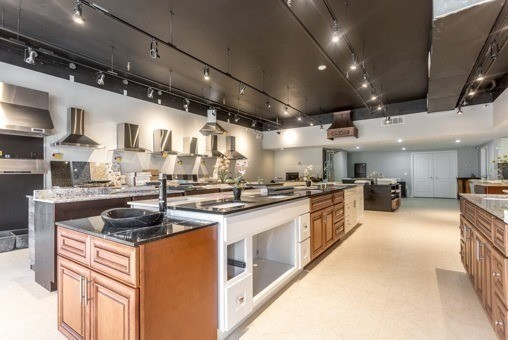 For Sale: 2 3 - 15450 Yonge Street, Aurora, ON | 0 Bath Property for $748,000. See 4 photos!