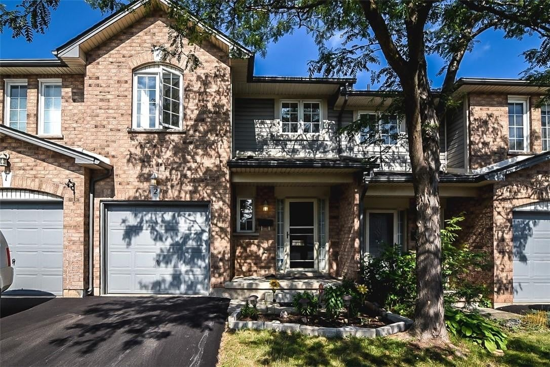Townhouse for sale at 311 #8 Hy Unit 2 Stoney Creek Ontario - MLS: H4084559
