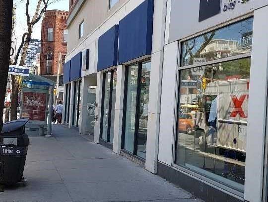 2 383 Queen Street W Toronto Zolo Ca