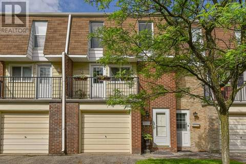 Townhouse for sale at 423 Westwood Dr Unit 2 Kitchener Ontario - MLS: 30748395