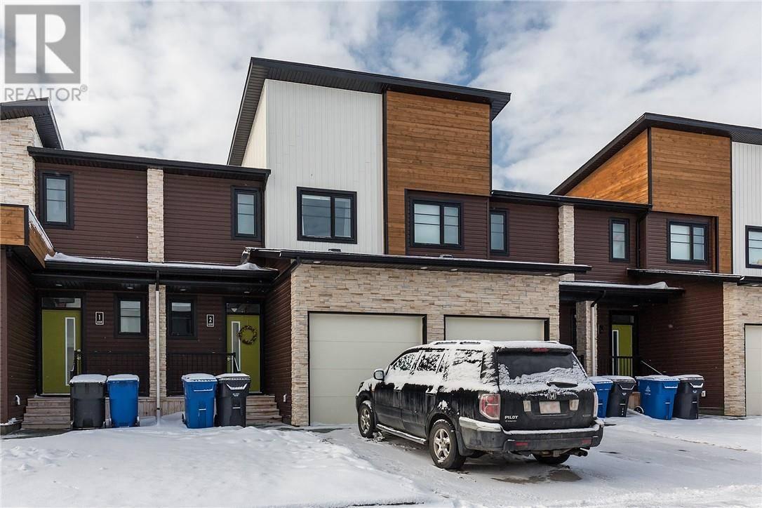 Townhouse for sale at 458 Highlands Blvd W Unit 2 Lethbridge Alberta - MLS: ld0188987