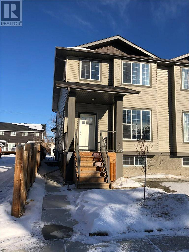 Townhouse for sale at 4718 49 Ave Unit 2 Lacombe Alberta - MLS: ca0187976