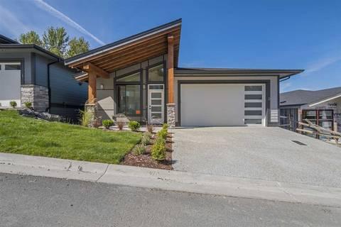 House for sale at 5248 Goldspring Pl Unit 2 Chilliwack British Columbia - MLS: R2434632