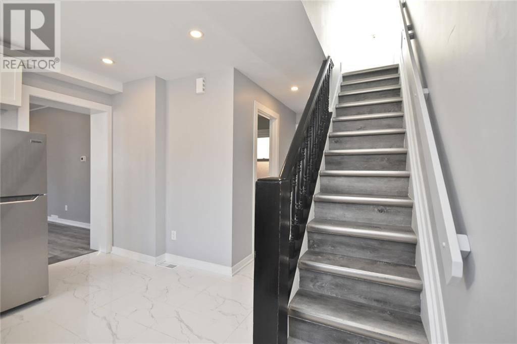 Apartment for rent at 592 Gladstone Ave Unit 2 Ottawa Ontario - MLS: 1183574