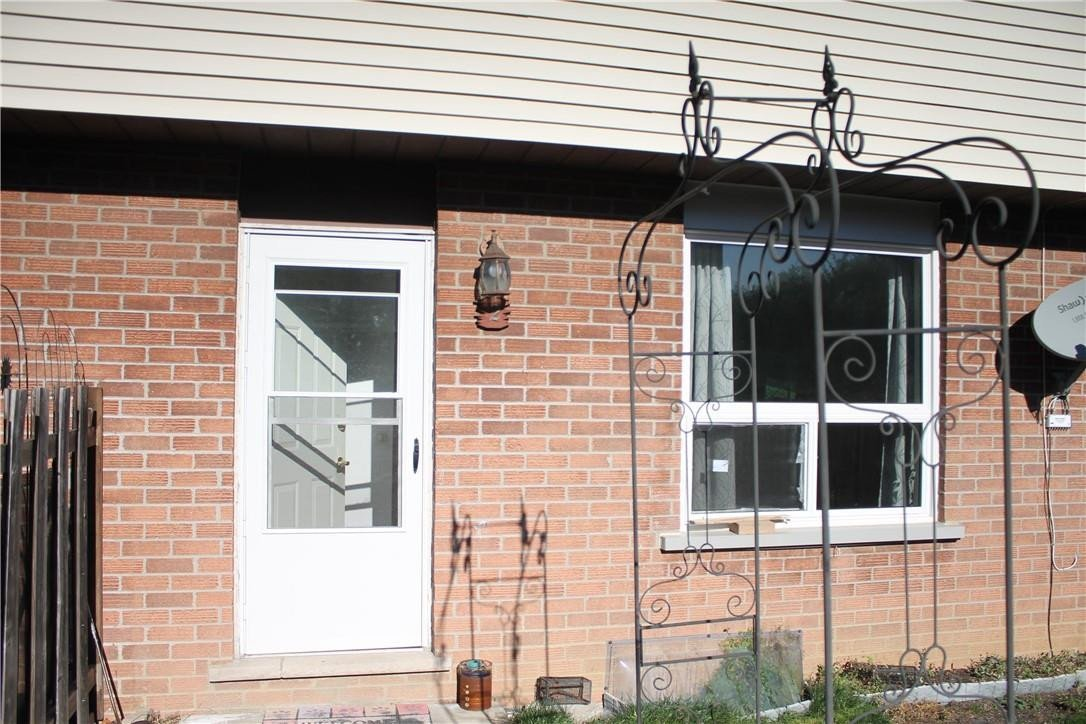 Townhouse for sale at 65 Mount Albion Rd Unit 2 Hamilton Ontario - MLS: H4093016