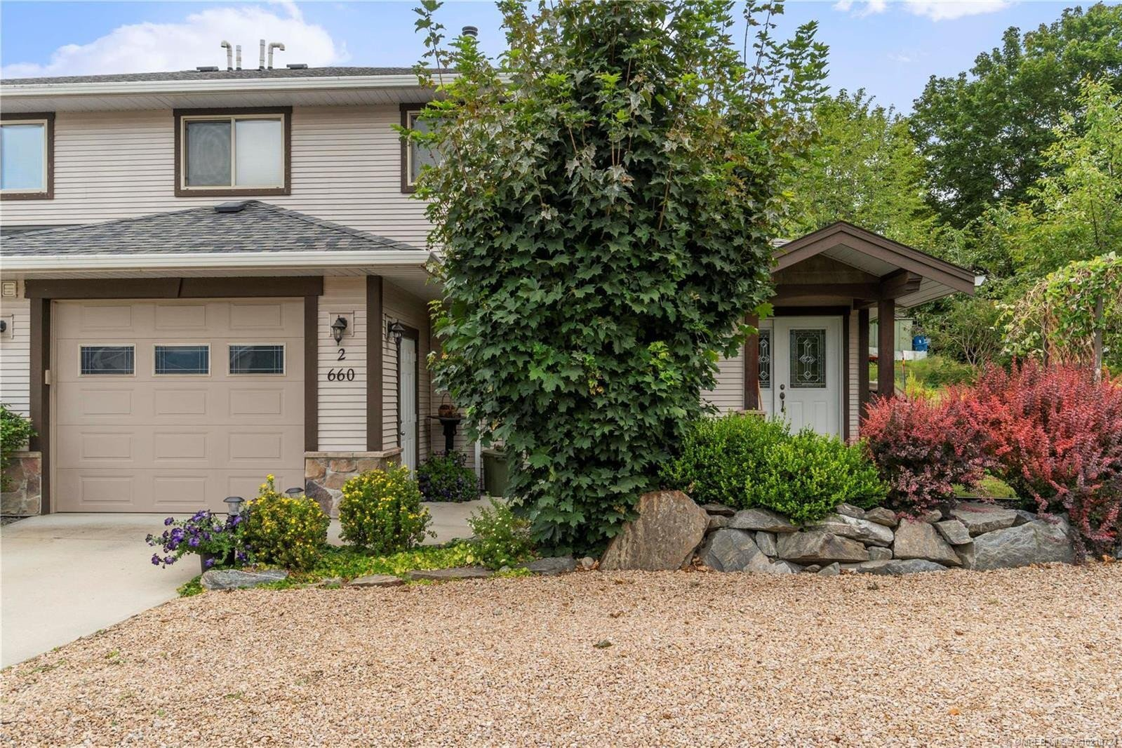 Townhouse for sale at 660 20 St Northeast Unit 2 Salmon Arm British Columbia - MLS: 10218724