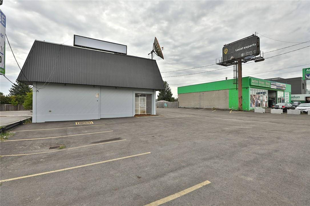Commercial property for lease at 945 Upper James St Apartment 2 Hamilton Ontario - MLS: H4063972