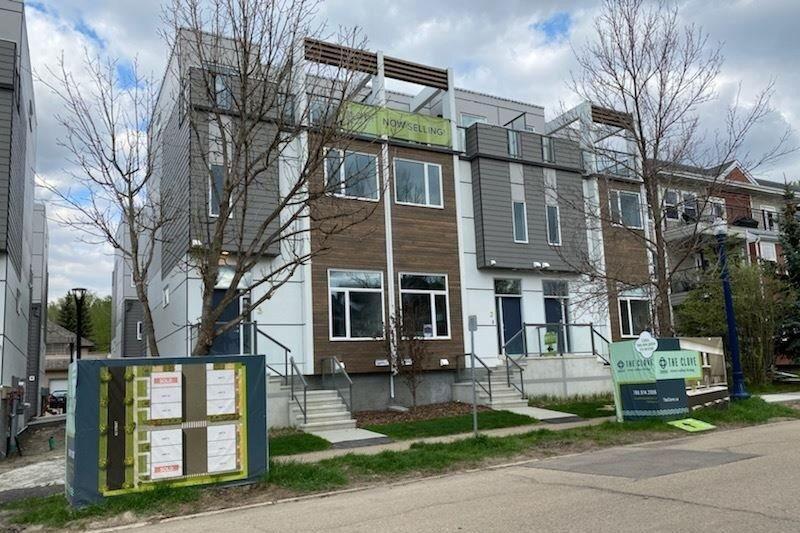 Townhouse for sale at 9745 92 St NW Unit 2 Edmonton Alberta - MLS: E4210362