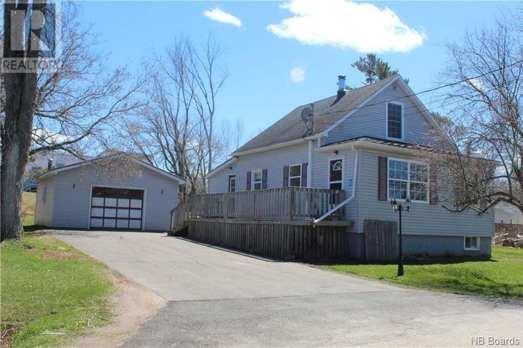House for sale at 2 Academy Ln Petitcodiac New Brunswick - MLS: NB038909