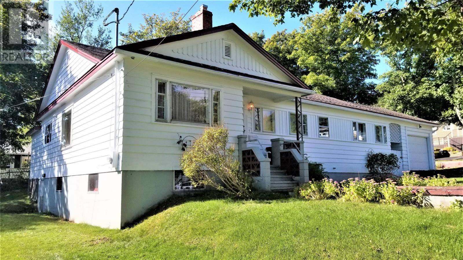 House for sale at 2 Amherst Pl St. John's Newfoundland - MLS: 1205077