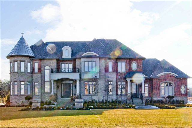 For Sale: 2 Annie Lane, Whitchurch Stouffville, ON | 5 Bed, 6 Bath House for $3,388,000. See 2 photos!