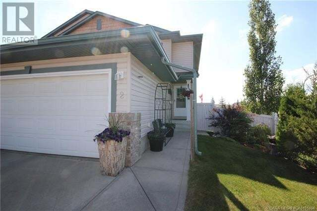 Townhouse for sale at 2 Arnold Cs Red Deer Alberta - MLS: ca0191804