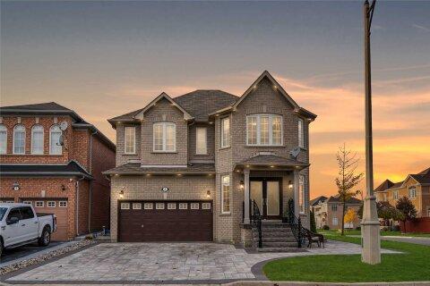 House for sale at 2 Blazing Star Dr Brampton Ontario - MLS: W4967955