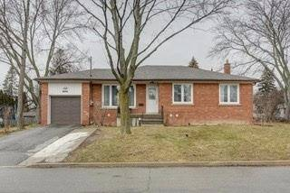 House for sale at 2 Carnegie Ct Toronto Ontario - MLS: C4448382