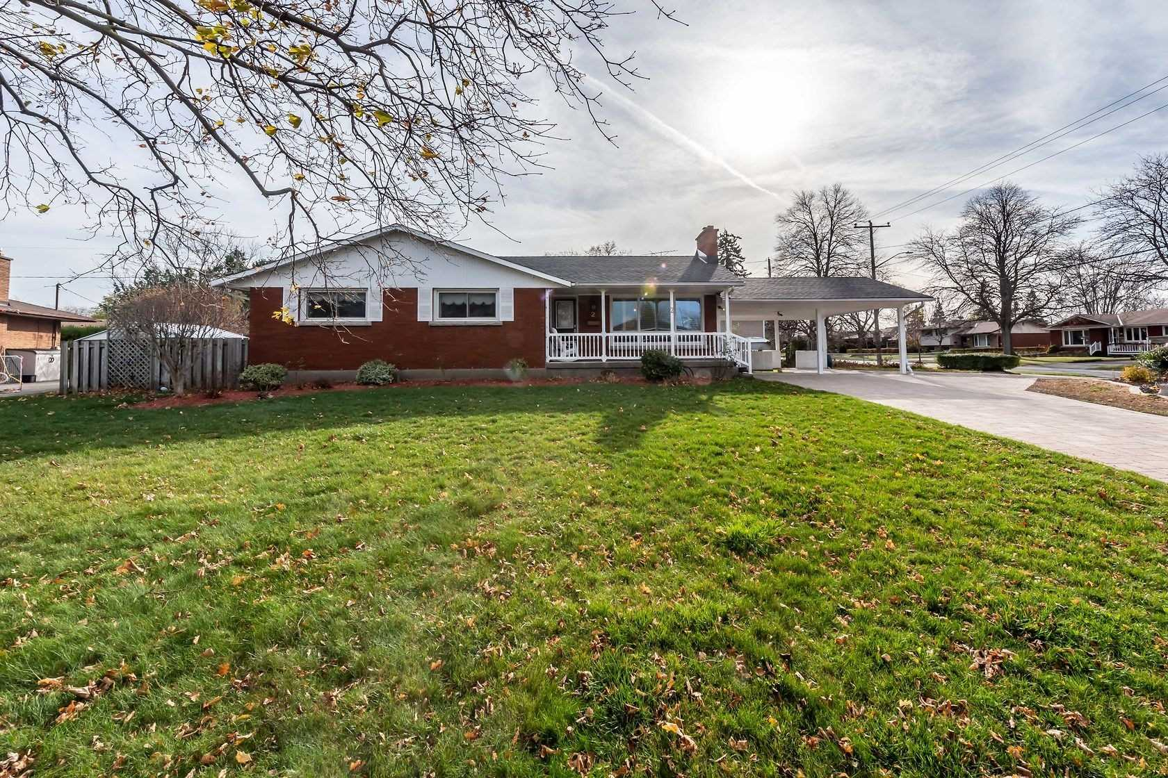 For Sale: 2 Costen Boulevard, St Catharines, ON | 3 Bed, 2 Bath House for $599990.00.