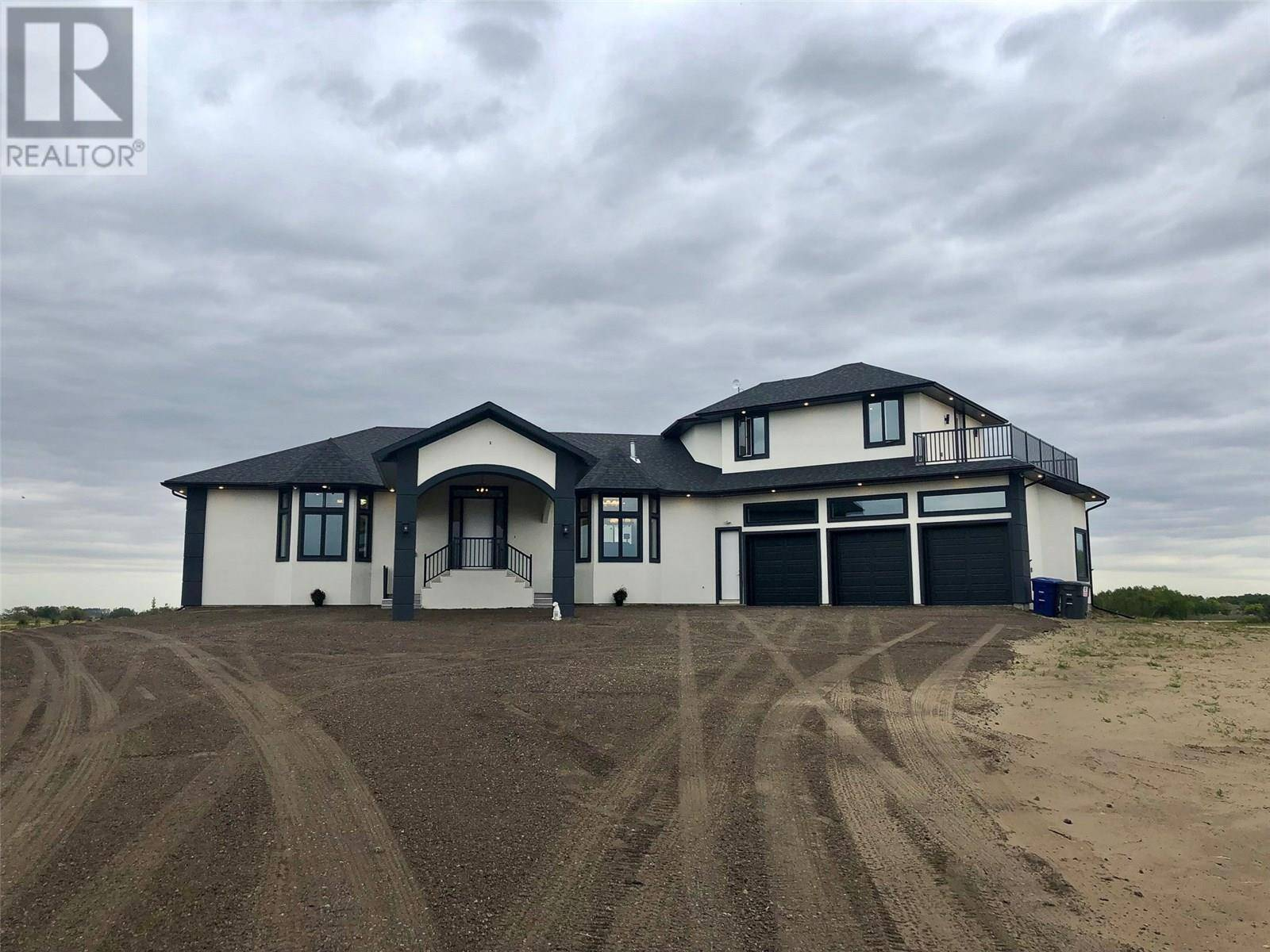 House for sale at 2 Country Rd South Dundurn Rm No. 314 Saskatchewan - MLS: SK803359