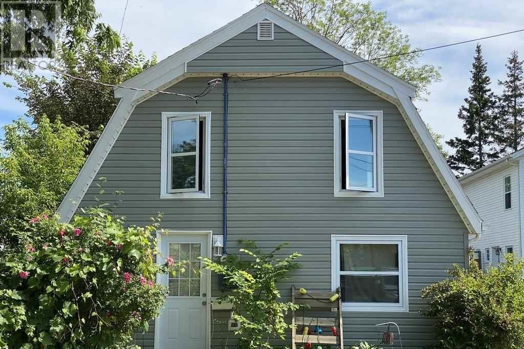 Townhouse for sale at 2 Eden St Charlottetown Prince Edward Island - MLS: 202013088