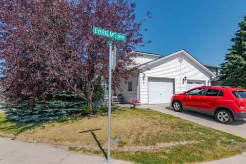 Townhouse for sale at 2 Everglade Dr SE Airdrie Alberta - MLS: A1013739