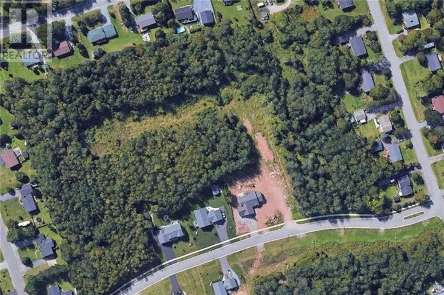 Home for sale at 2 Executive Dr Hampton New Brunswick - MLS: NB029199